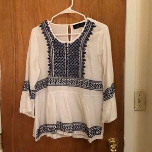 Francesca's Blue and White Quarter Sleeve Shirt